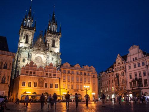 Laat je niet oplichten in Praag! 4 tips voor een veilig bezoek