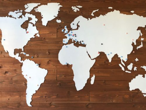 Wereldkaart aan de muur